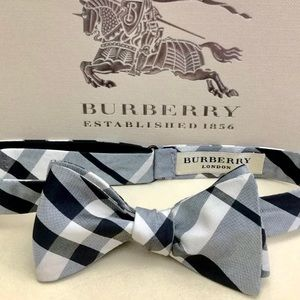 🔥🆕💯AUTH BURBERRY BLACK-WHITE SELF-TIE BOW TIE🔥